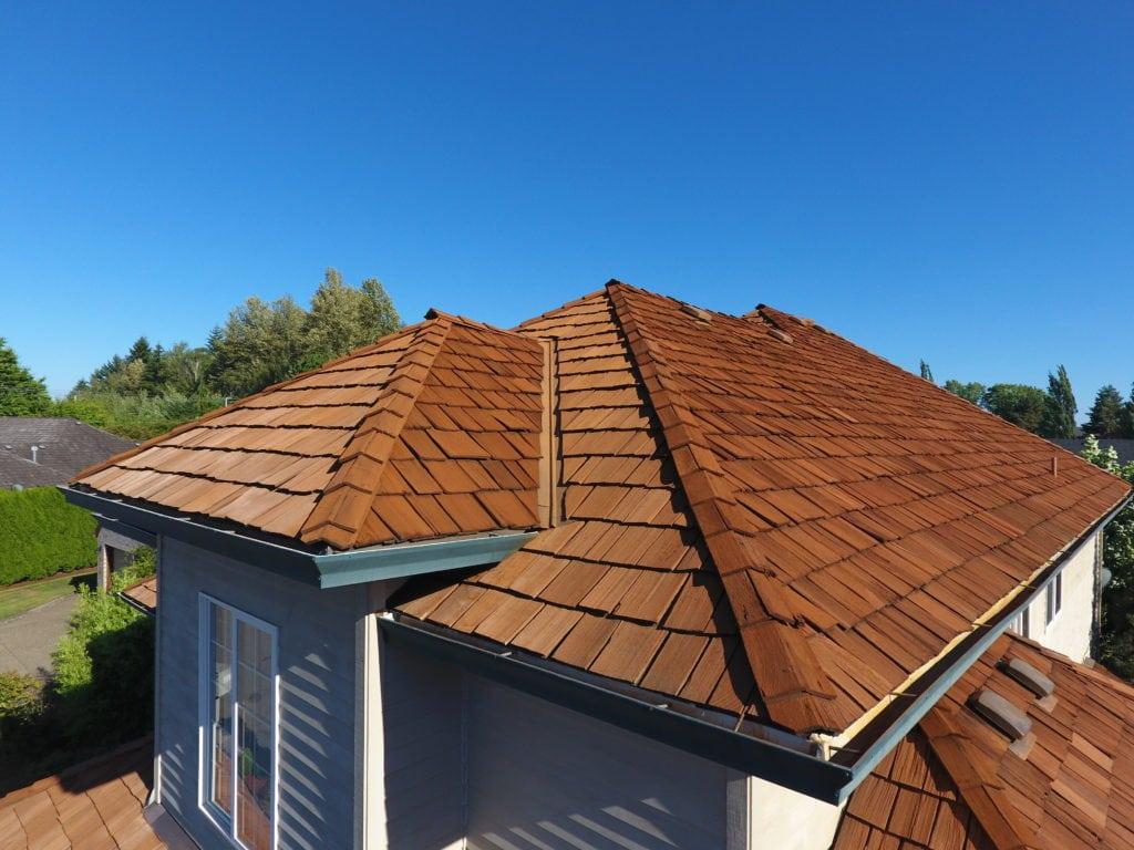 A new cedar shake roof in St. Louis