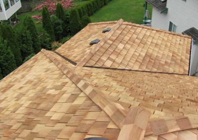 A newly installed cedar shake roof in St. Charles.